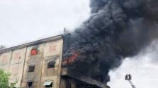 호찌민시, 침대 매트리스 공장 화재로 전소