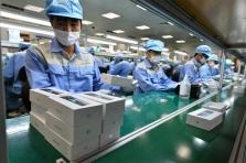 의욕적으로 스마트폰 생산에 나선 베트남 업체..., 한계 봉착?