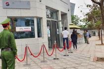 하노이, 4·15 총선 재외 국민 투표 시작.., 체온 측정 후 입장