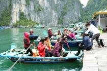 하롱베이, 소형 목선 전복돼 한국인 관광객 익사