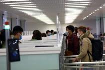 외국인 입국 금지에도 많은 해외 베트남인들은 속속 귀국해 시설 격리