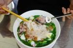 """사이공, 10년된 쌀국수 맛집 """"오징어 쌀국수"""""""