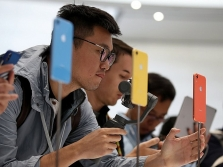 베트남, 삼성전자와 폭스콘 놓고 저울질? 아이폰 관련 기업들 진출 타진