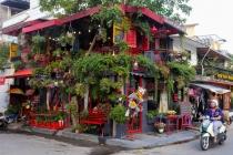 호치민市, 파리 스타일 커피숍 'Bonjour Cafe'