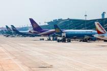 위험한 하노이 국제공항, 조종석에 레이저 광선까지..,